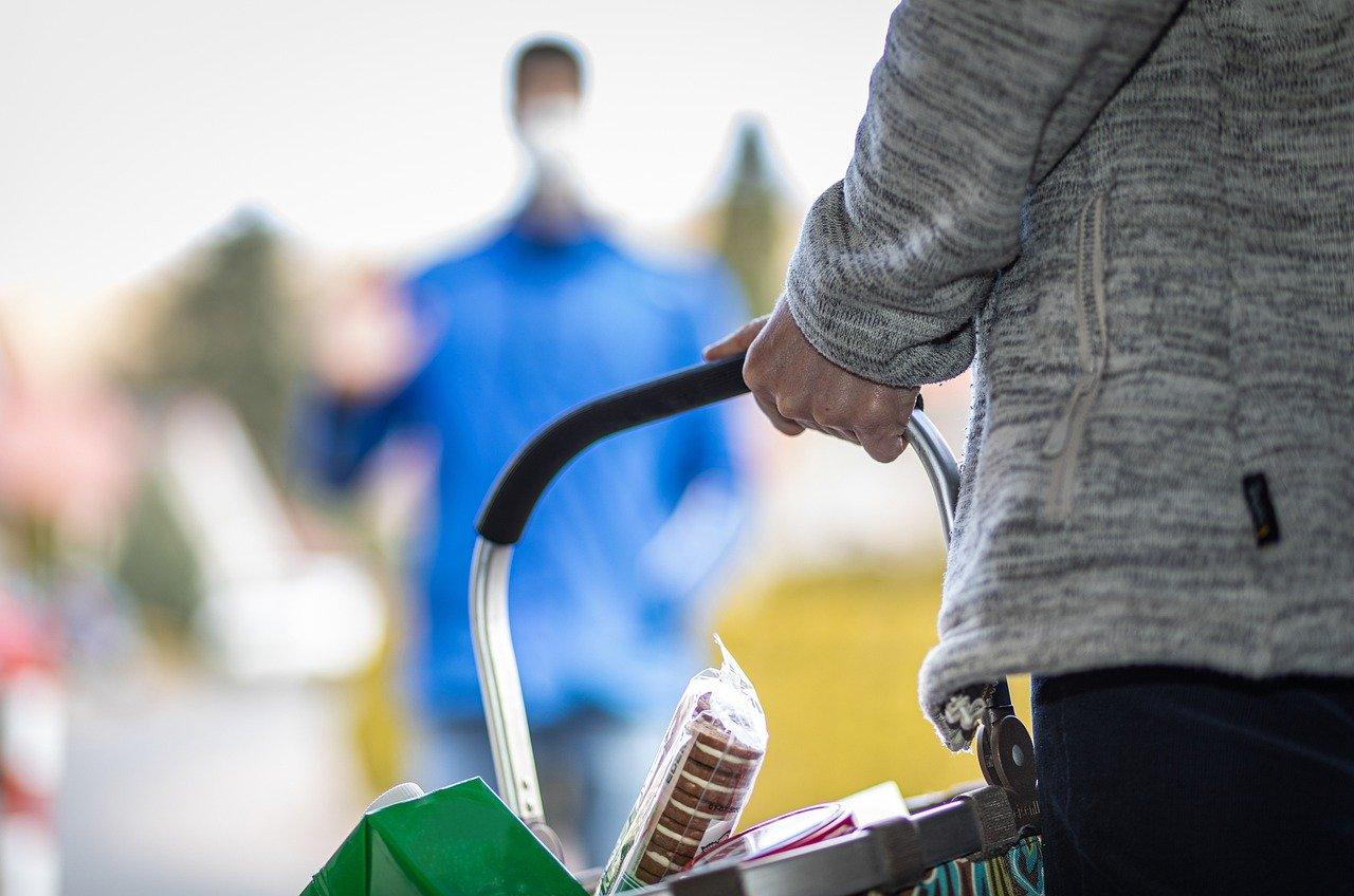 Pomoč starejšim krajanom – dostava živil ali zdravil